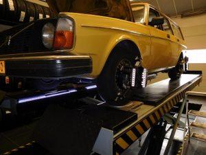 Uitlijnen Volvo 245 1